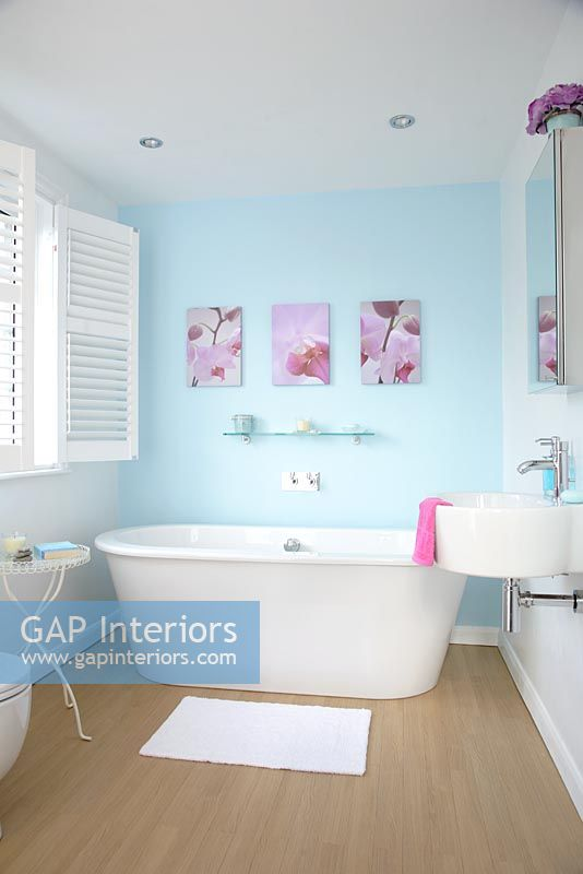 GAP Interiors - Modern bathroom with blue painted walls ...