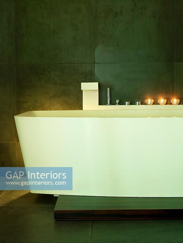 Freestanding bath in contemporary bathroom
