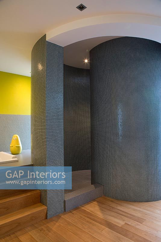 Dutch Curvature Modern House Has A Curved Construction To: Modern Bathroom With Curved Shower