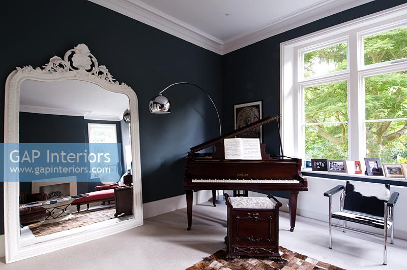 Gap interiors modern living room with challen baby grand for Baby grand piano in living room