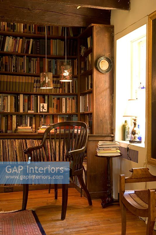 Olkd Study Room: Classic Library And Reading Room