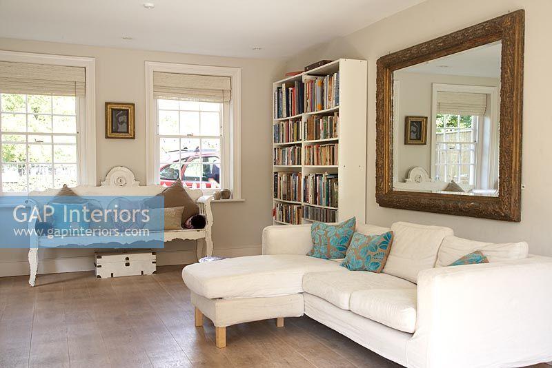 Modern Living Room With Corner Sofa