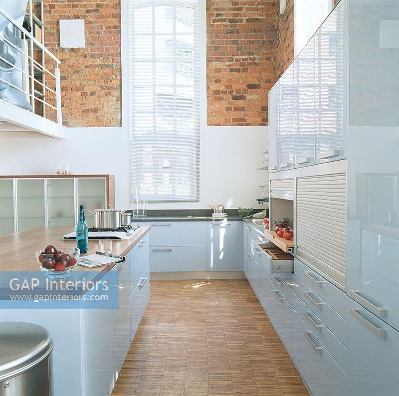 Modern Kitchen With Kitchen Worktop