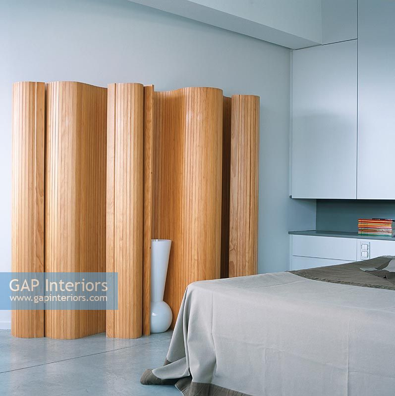 Gap interiors wooden screen in modern bedroom image no