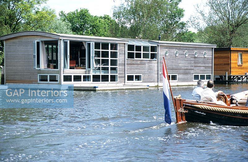 GAP Interiors - Maayke's Houseboat - Feature by Maayke de
