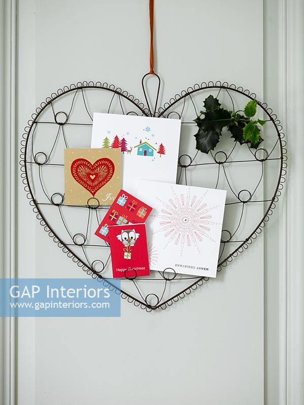 Heart shaped card display
