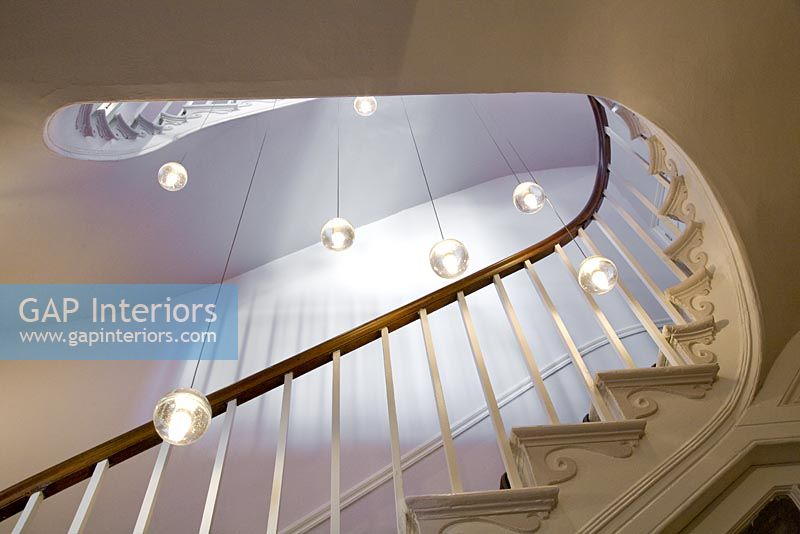Shadow Gap Staircase Lighting: Classic Staircase With Modern Pendant