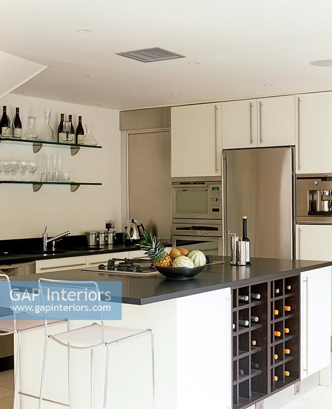 Kitchen Cabinets Uganda: Image No: 0056907