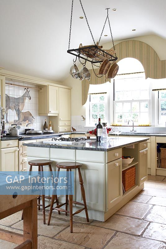 classic country kitchens gap interiors classic country kitchen image no 2220