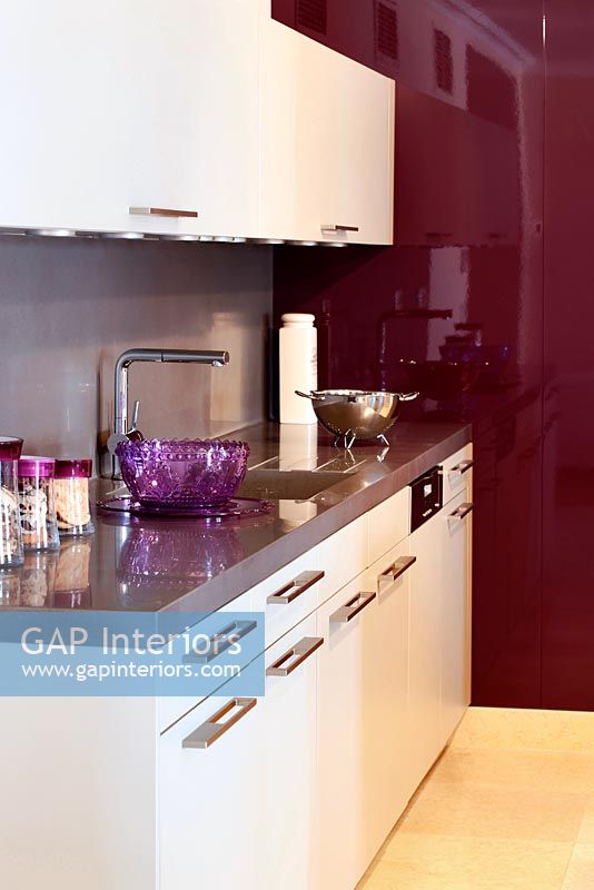 Gap interiors modern kitchen units and worktop image for Kitchen units for sale in zimbabwe
