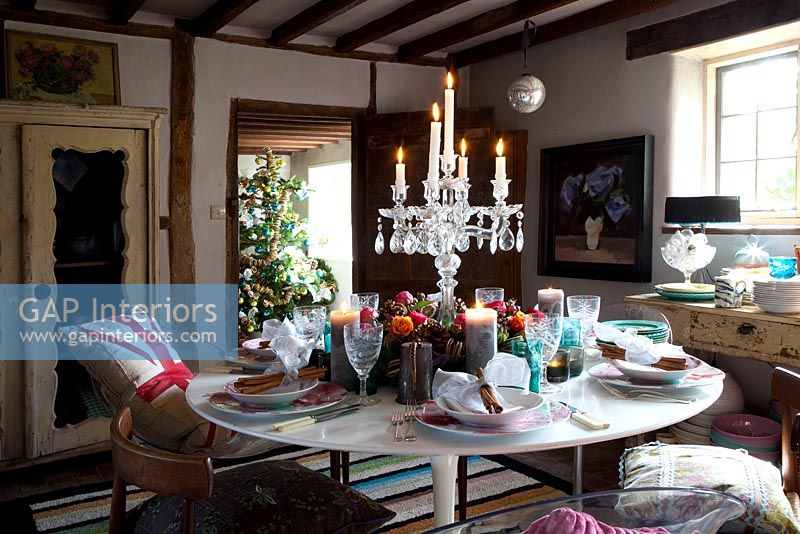 Country dining room decorated for Christmas