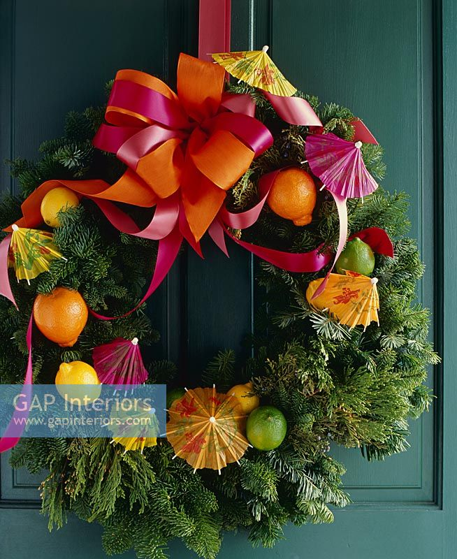 Christmas wreath with tropical theme