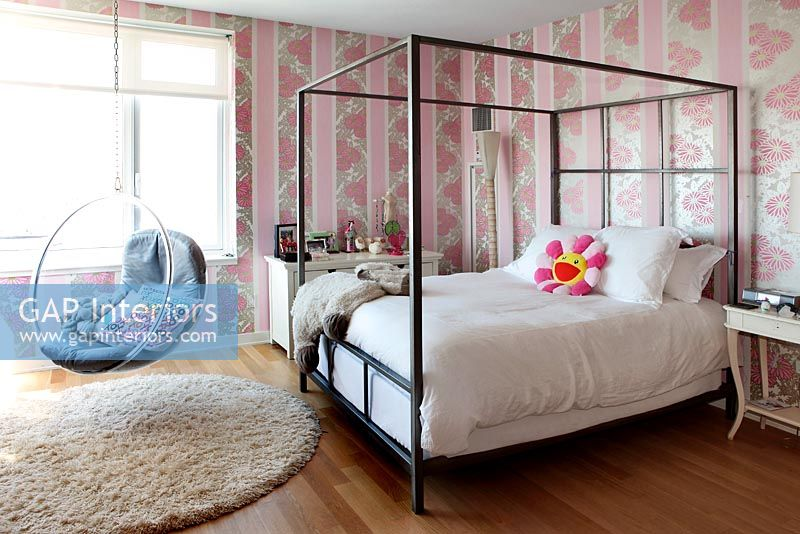 Modern girl's bedroom