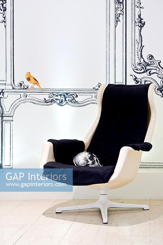 'Galaxy' armchair and  trompe l'oeil
