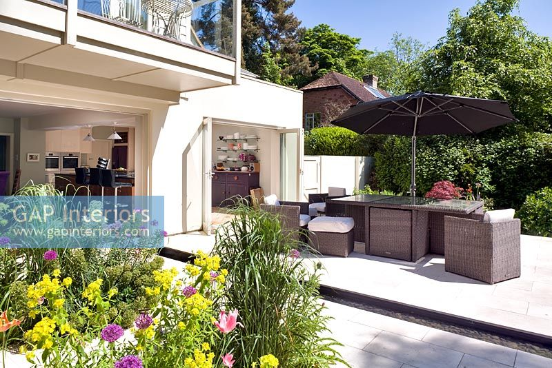 Modern patio and kitchen extension