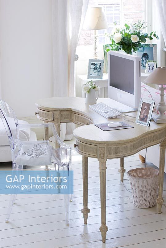 Gap Interiors Vintage 1920s Dressing Table Used As Desk Image No
