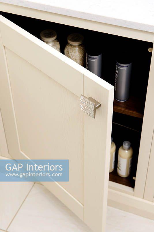 Gap Interiors Bathroom Cabinet Image No 0142413 Photo By Colin Poole