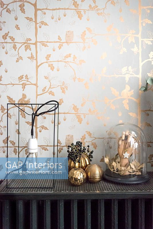 Gold wallpaper and accessories