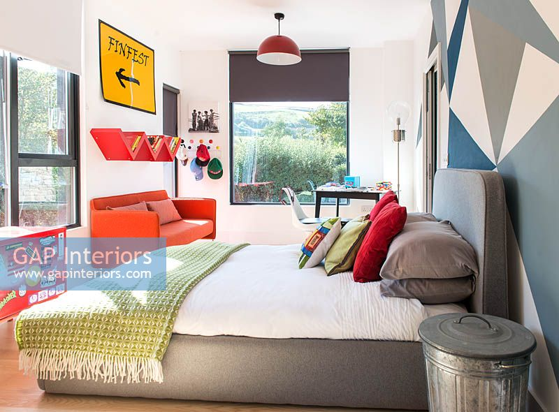 Colourful childs bedroom