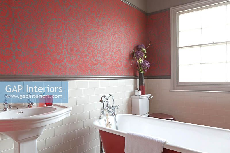 Patterned wallpaper in bathroom