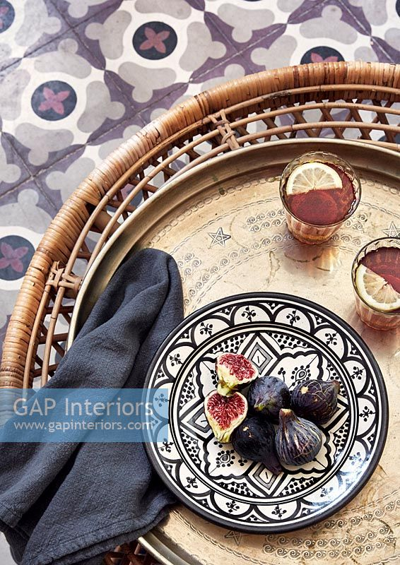Figs on patterned plate