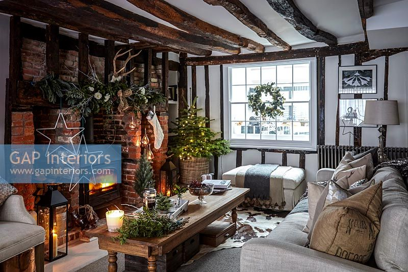 Country living room decorated for christmas
