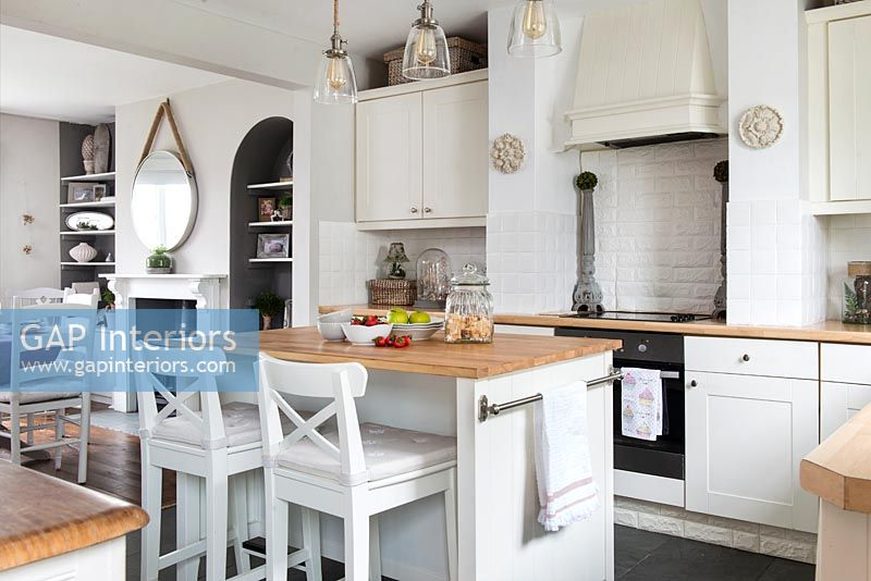 Island in classic kitchen