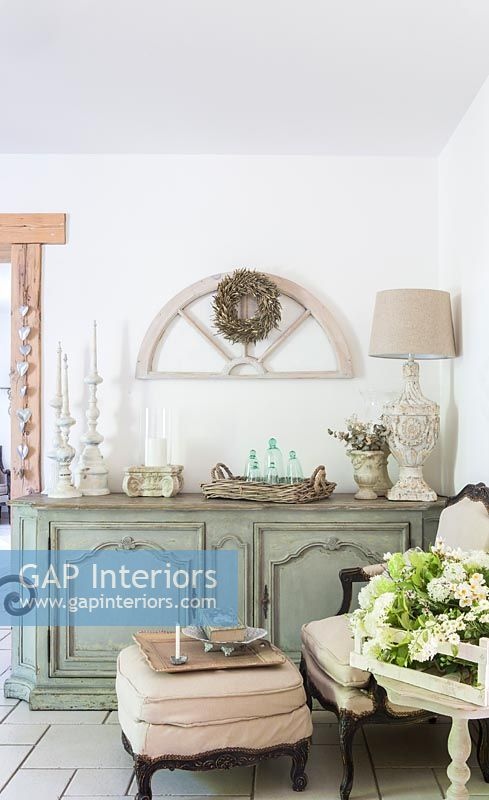 Country style dresser
