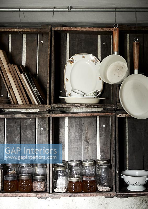 Country kitchen shelving