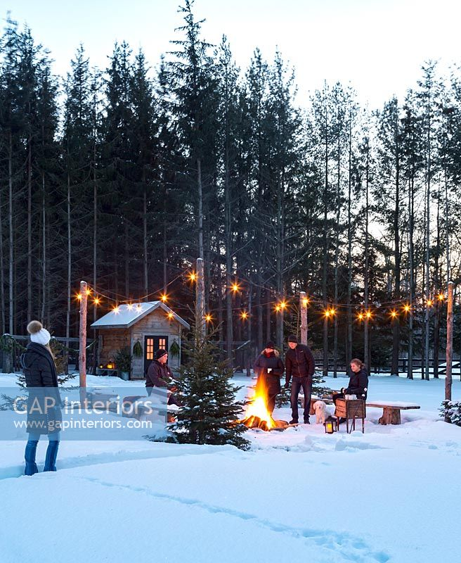 Collingwood Outdoor Holiday Entertaining feature portrait
