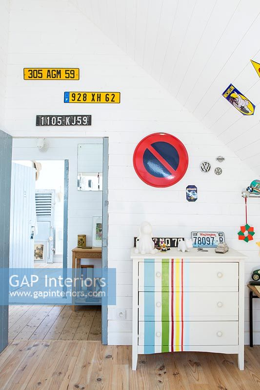 Car themed childrens room