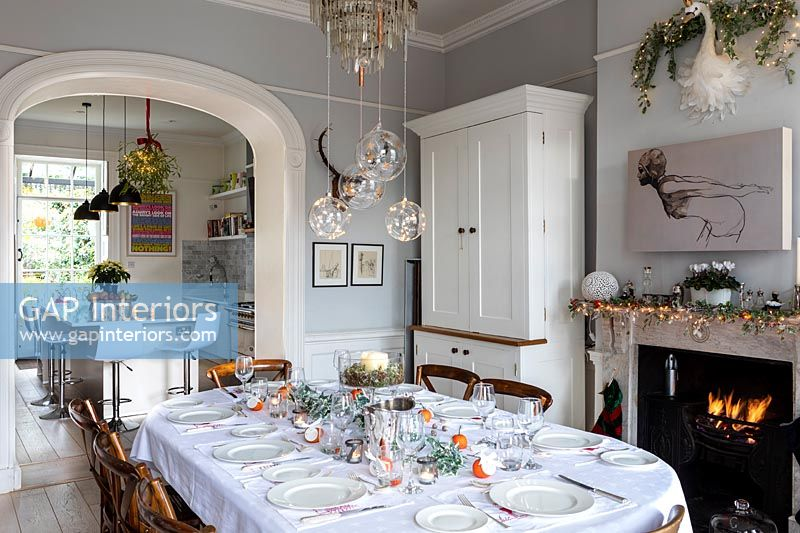 Classic dining room decorated Christmas