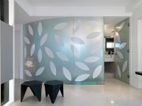 Glass walls with leaf pattern