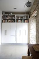 Built in wardrobes with shelves