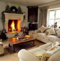 Country living room at Christmas