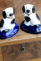 Pair of china dogs detail