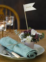 Personalised table setting