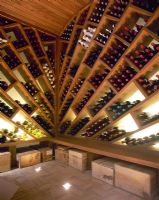 Modern wine cellar with customised storage