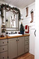 Country bathroom decorated for Christmas