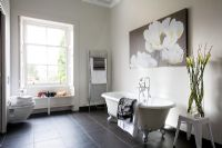 Large classic bathroom