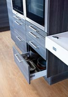 Contemporary kitchen drawers