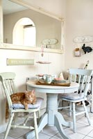Country style dining furniture