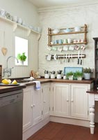Country kitchen storage