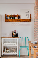 Freestanding and wall mounted kitchen storage