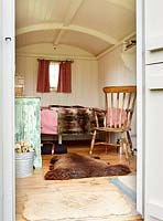 Caravan converted into summerhouse