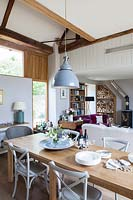 Country style open plan dining area