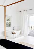 Bath in bedroom corner