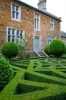 Classic Georgian house and parterre garden