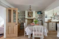 Country style kitchen diner