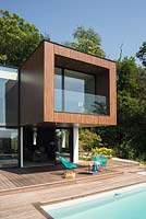 Contemporary house with cube shaped extension